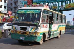 Bangladeş'te otobüs ile ulaşım